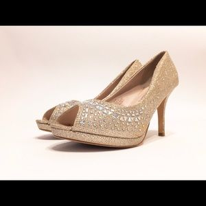 💎 De Blossom Collection White Pearl Peep Toe heel